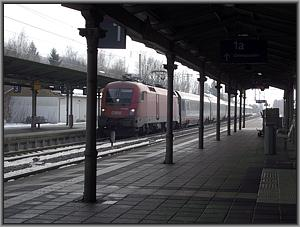 ÖBB-1116 192 mit EC 662 in Prien am Chiemsee